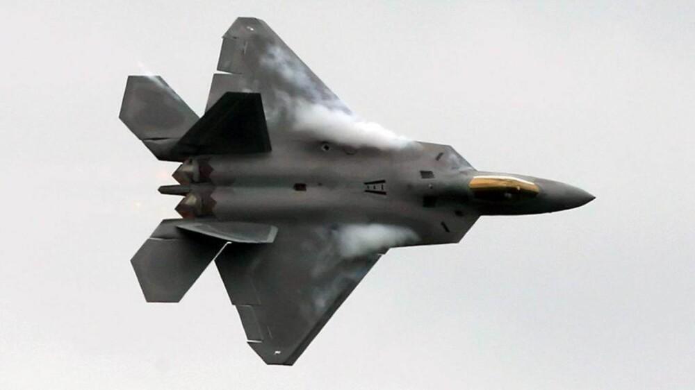 F-22 Raptor i full utfoldelse.