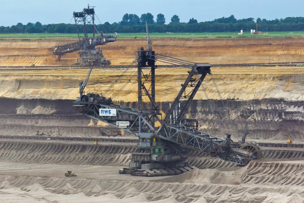 SVÆRINGER: Bagger 288 og Bagger 258 i Garzweiler Tagebau-overflategruven.