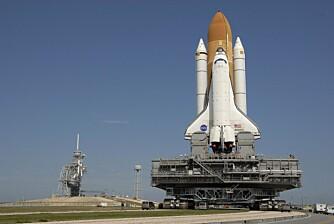 BRED LAST: Crawlerens arbeidsoppgaver har blant vært å transportere Saturn IB og Saturn V rakettene samt NASAs romferger til utskytingsrampen.