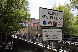 GOD STEMNING: I gamlebyen i Vilnius finner du en egen stat der du kan nesten gjøre hva du vil, så lenge du er snill.