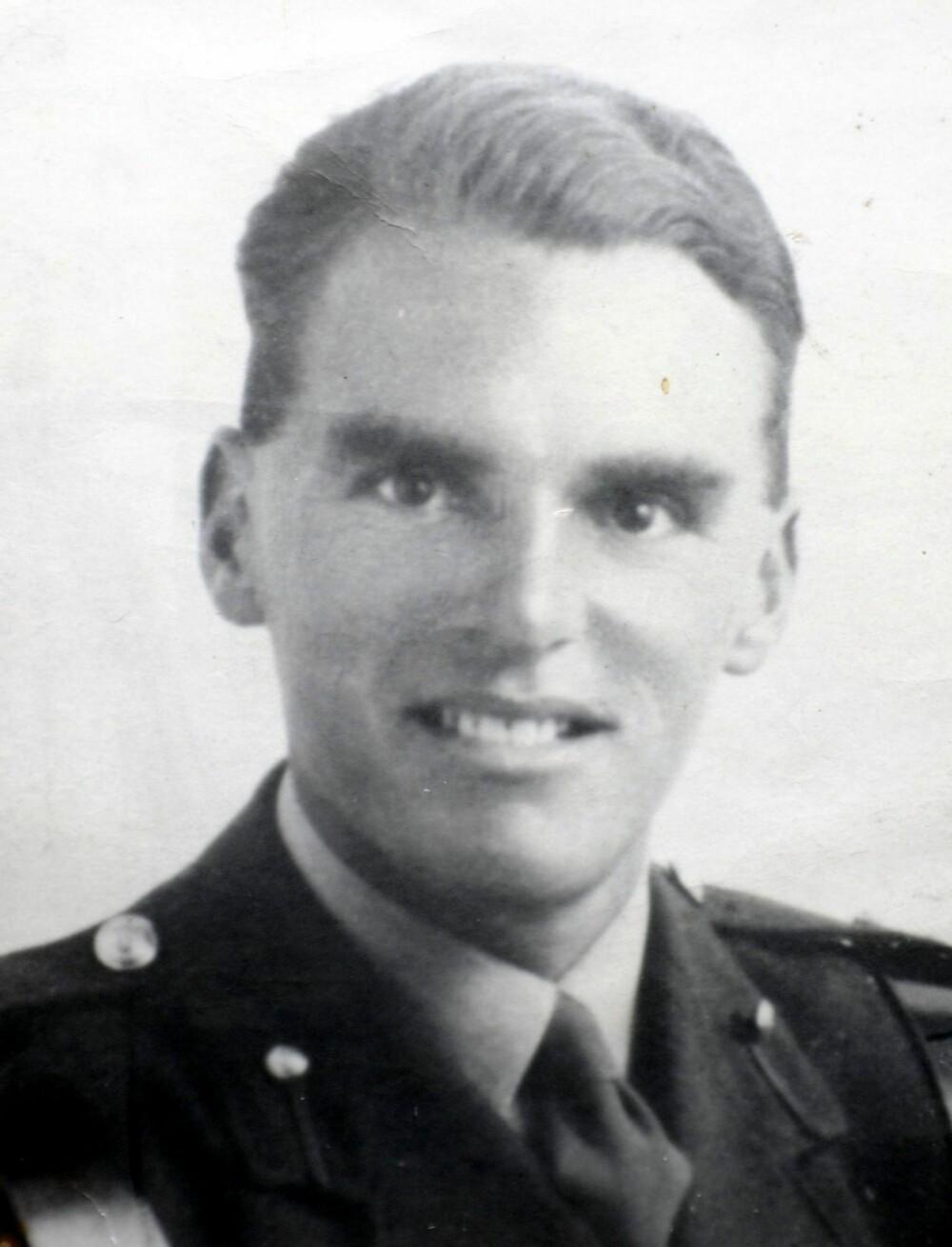 Løytnant Den Brotheridge fotografert i 1944.