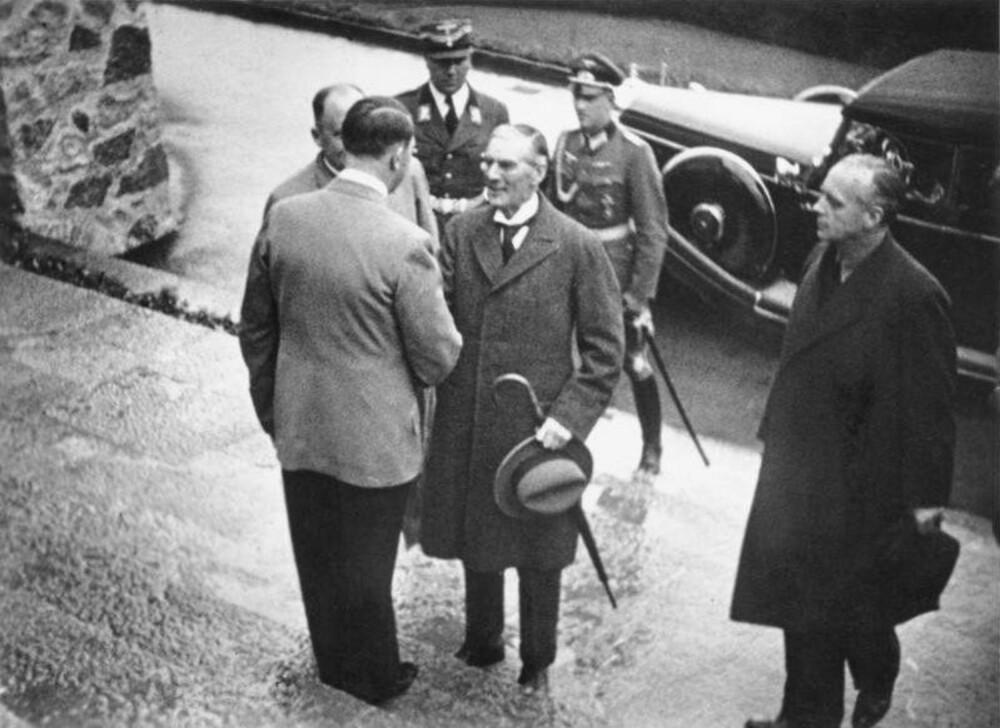 Hitler og Chamberlain ved Berghof.