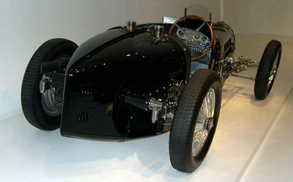 Bugatti begynte tidlig å forske på karosserier som minsket luftmotstanden. Her ser vi en Bugatti Type 59 Grand Prix fra 1933.