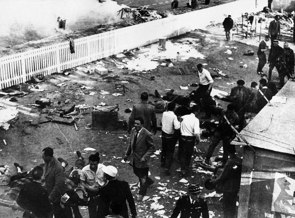 Da Pierre Leveghs Mercedes eksploderer, blir bildelene dødelige prosjektiler. Vitner som overlevde ulykken forteller om personer som fikk armer, ben og hodet kuttet av.