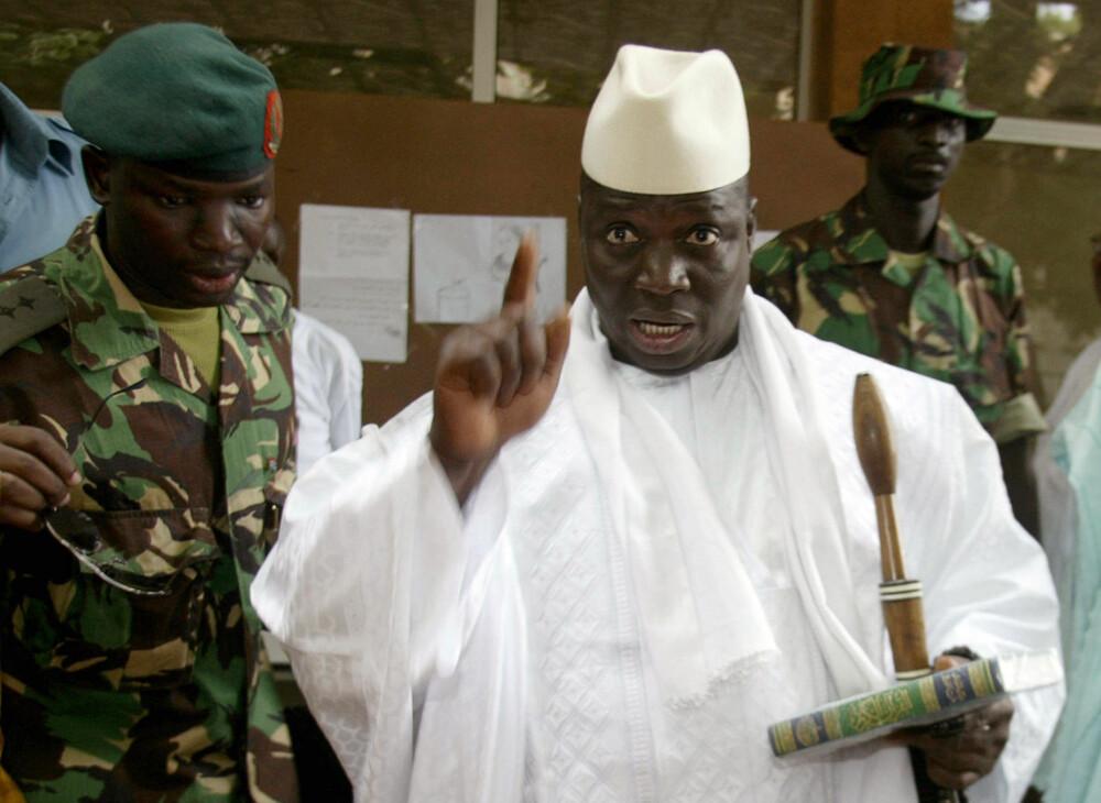 DIKTATOR: Gambias president Yahya Jammeh styrer landet med jernhånd. Han er bare en av mange eksentriske diktatorer opp gjennom årene.
