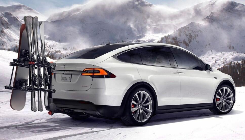 <b>KOSTBAR - OG POPULÆR: </b>Tesla Model X er kanskje det fremste eksempelet på hvordan elbilbølgen har endret bilmarkedet i Norge. Aldri før har en så kostbar bil solgt i så store antall her til lands.