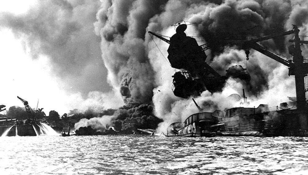Japanernes angrep på Pearl Harbor kunne potensielt endret krigen på flere måter: Hadde de ikke angrepet, ville USA vært utenfor krigen lenger. Hadde de fokusert på hangarskipene, kunne slaget ved Midway endt annerledes.