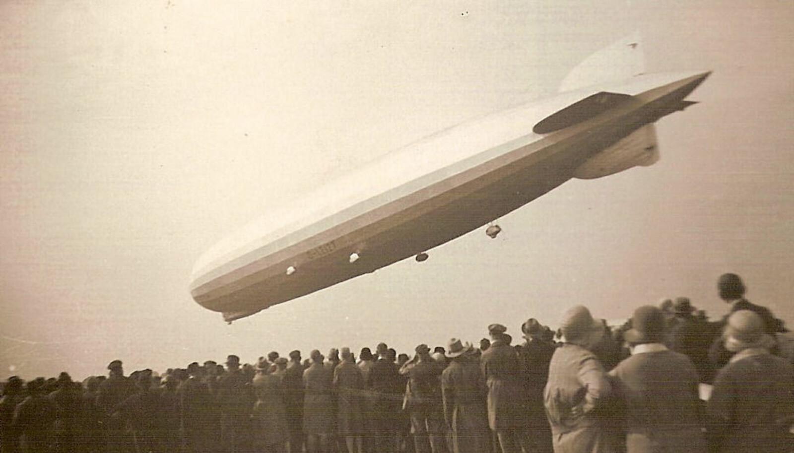 <b>LANDING: </b> LZ 127 Graf Zeppelin går inn for landing.