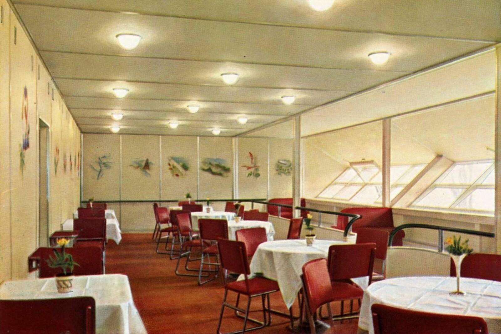 <b>FLYGENDE HOTELL:</b> Livet ombord i luftskipet Hindenburg, var som på et luksushotell.