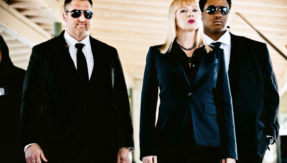 Traci Lords spiller en av rollene i serien Swedish Dicks.