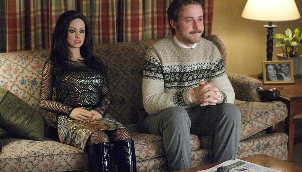 I filmen Lars and the Real Girl (2007) kjøper den svært innadvendte personen Lars, spilt av Ryan Gosling, en Real Doll og ender opp med å forelske seg i henne.