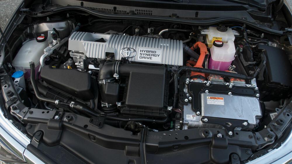 Toyotas etter hvert velkjente hybridløsning, med en 1,8-liters bensinmotor uten turbo, i kombinasjon med en elmotor, som jobber med å utfylle hverandre.
