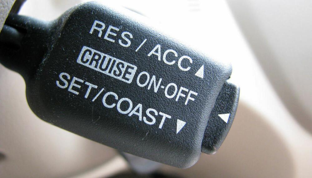 En bil med en enkel cruisekontroll er autonom-nivå 1.