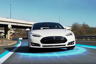 Teslas Autopilot plasser bilen på nivå 2.