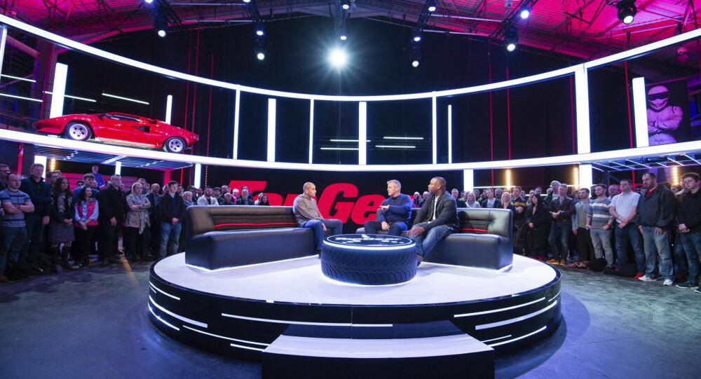 LIVE: Den nye sesongen har også innslag spilt inn foran publikum. Her er det Chris Harris, Matt LeBlanc og Rory Reid i studio.
