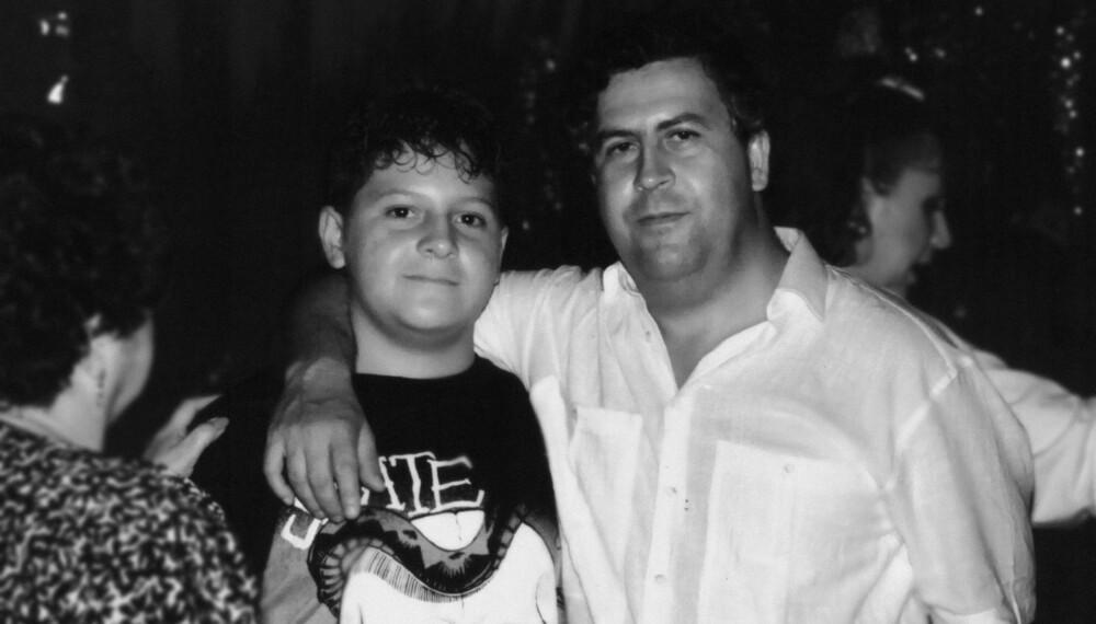 NARKOPAPPA: Pablo Escobar sammen med sønnen Juan Pablo Escobar. Juan Pablo heter i dag Sebastian Marroquin.