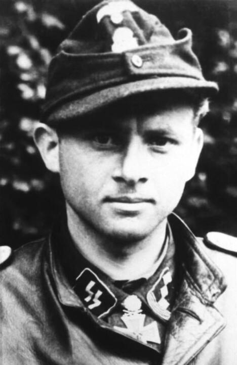 TYSK HELT: Michael Wittmann var Nazi-Tysklands beste Tiger-fører. Han ble hedret med Jernkorsets ridderkors for innsatsen.