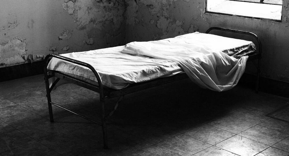 SPILTE GAL, HAVNET PÅ GALEHUS: Forholdene på New York City Lunatic Asylum gikk for å være fryktelige. På desperat jakt etter jobb som journalist lar Nellie Bly (23) seg overtale til spille gal og legge seg inn på sinnssykehuset. Ryktene viste seg snart å stemme ... Bildet er en illustrasjon.