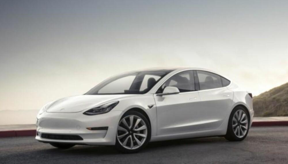 Sort er den eneste fargen som ikke koster ekstra. Her er Model 3 i perlehvit.