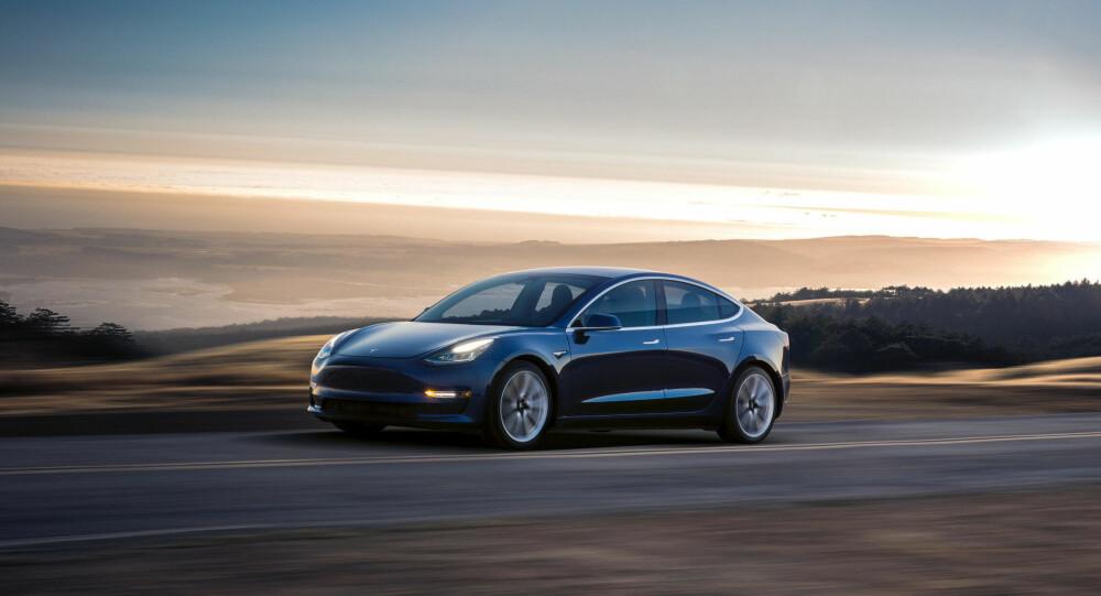 MODEL 3: Med justeringen av utvalget for Model S, øker foreløpig forskjellene mellom Model S og den rimeligere Model 3 - som enn så lenge bare produseres med bakhjulstrekk.