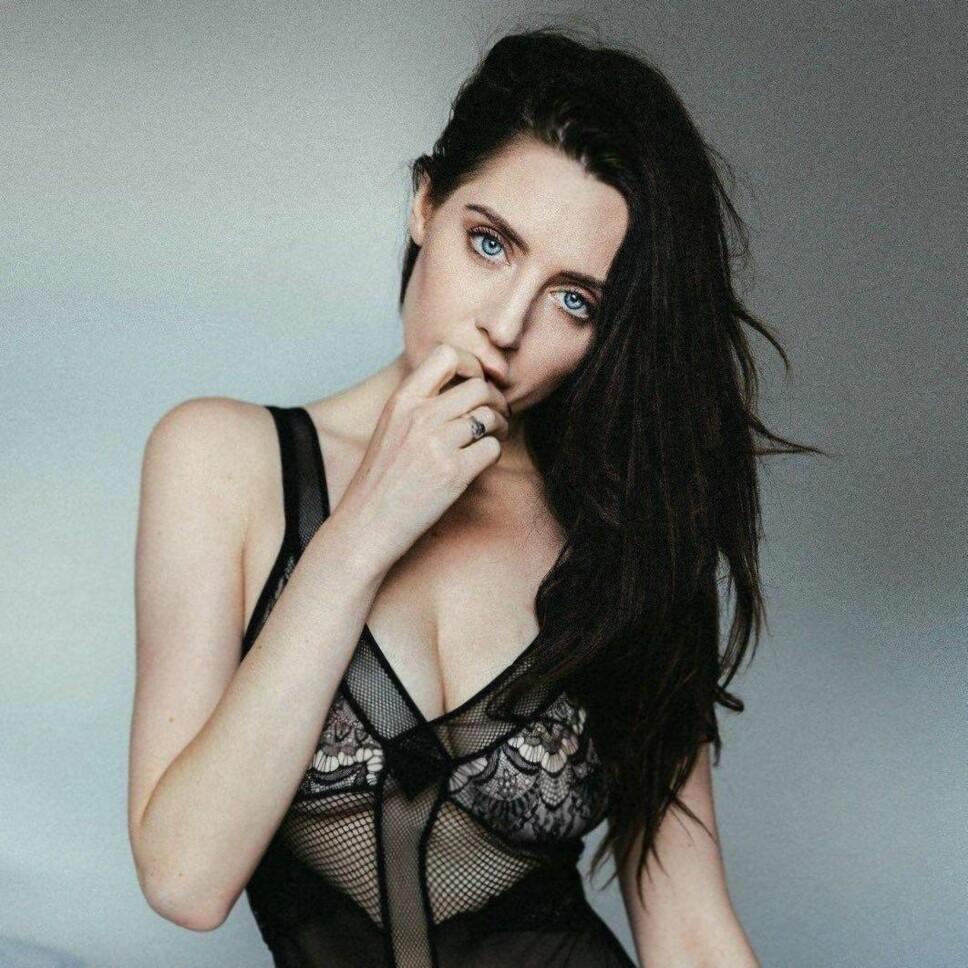 POPULÆR: 29 år gamle Samantha Bentley er en av Storbritannias mest suksessrike pornostjerner. Hun har nå sluttet å spille inn filmer, men tar noen modell - og strippeoppdrag.