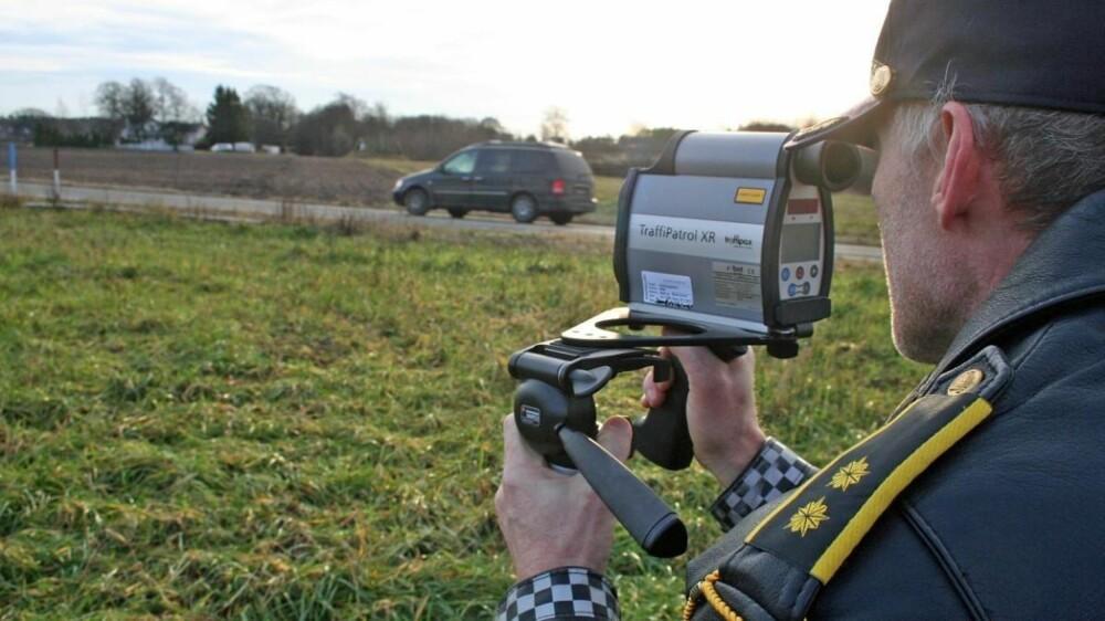 MISTE LAPPEN: Grensen endrer seg med fartssonene, men kjører du 26 km/t over fartsgrensen i 60-sonene eller lavere, ryker lappen i en kontroll.