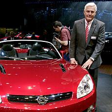 VETERAN: Bob Lutz er ingen hvem som helst. I tillegg til den tidligere jobben som toppsjef i General Motors, har han hatt sjefsstillinger i Chrysler, BMW, Opel og Ford.
