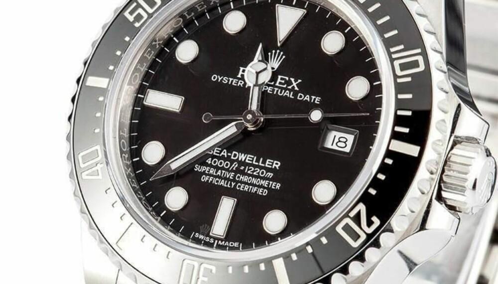 Rolex «Sea-Dweller 4000 ref. 116600» ble produsert i kun tre år, og gikk ut av produksjon i 2016. Det mener ekspertene gjør klokken til objekt samlere vil være interessert i. Klokken går i dag for drøyt 90.000 kroner.