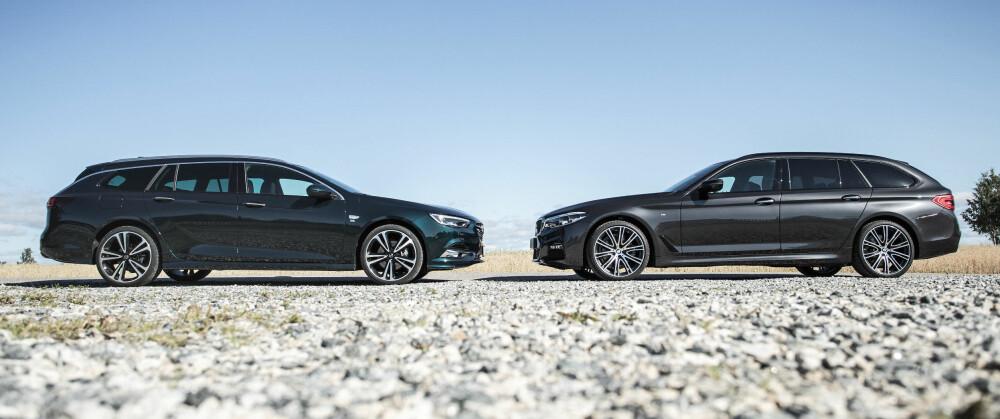 2 x 5 METER: Av format er Opels nye stasjonsvogn (t.v.) i storbilklassen, og faktisk lengre enn BMWs nyhet.