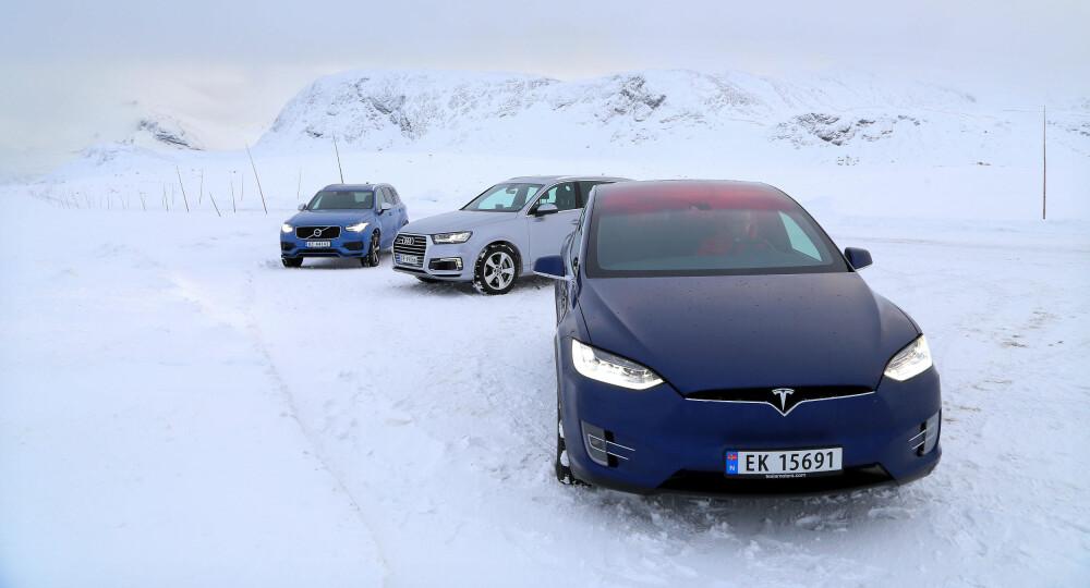 LADBARE DRØMMEBILER: Tesla Model X og ladbare utgaver av Volvo XC90 og Audi Q7 får storslått rabatt fra staten. Vi har tatt dem med på vintertur med heftige forhold for å finne ut hva de duger til.