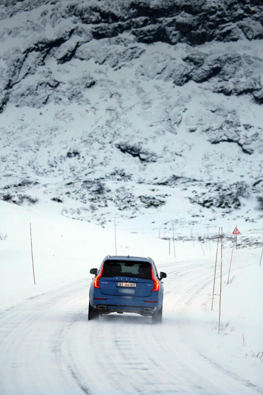 IMPONERER IKKE: 4x4-systemet i T8-utgaven har tydelig svakere vinter-ferdigheter enn det du får i de to andre bilene.