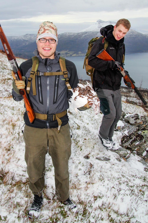 GOD STEMNING: Einar (foran) og Preben har tidlig på dagen begge skutt ryper.
