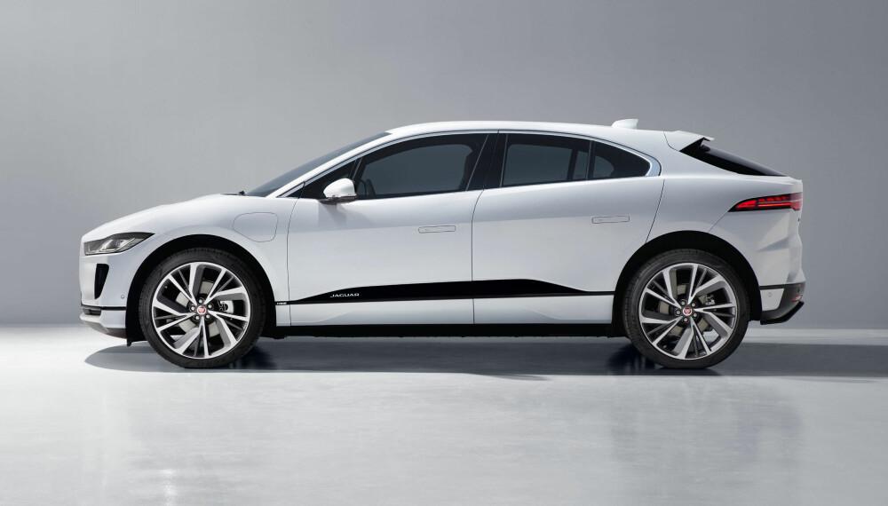 <b>GIR TESLA KONKURRANSE: </b>Jaguar begynner straks å levere ut I-Pace til norske kunder. I forhold til plass og rekkevidde er dette den første bilen som gir Tesla reell konkurranse.