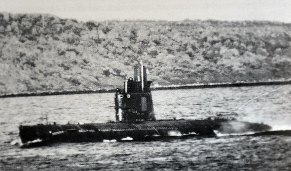 HEMMELIG: Bilde av en sovjetisk zuluklasse ubåt i Kolafjorden som ble tatt for e-staben.