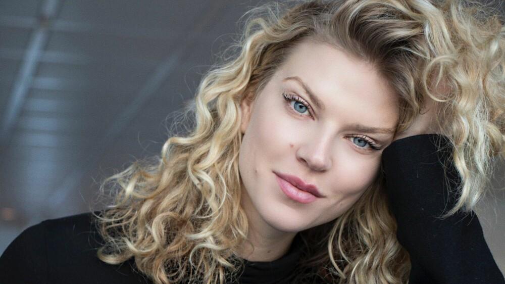 KUL DAME: Modell Maiken Wahlstrøm Nilssen ble for alvor kjent for det norske folk da hun deltok i realityserien «Farmen Kjendis» i 2017. Nå flytter hun til USA for å satse videre på modellkarrieren.