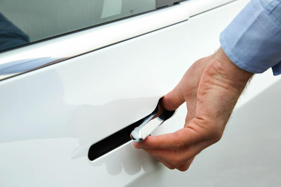 <b>FOMLETE: </b>Dørhåndtakene er bra for luftmotstanden, men er ikke snille mot fingertuppene.