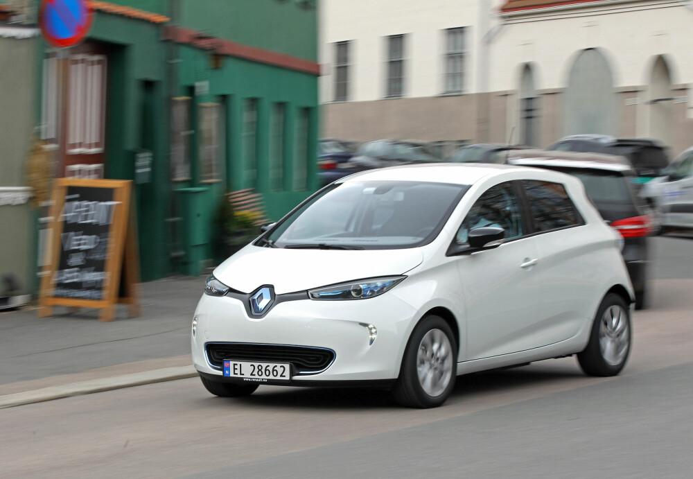 SJELDEN: 40 kWh-utgaven av Renault Zoe har bra rekkevidde, koster rundt 240.000 som brukt. Dessverre kun semihurtig lading og foreløpig få biler i markedet.