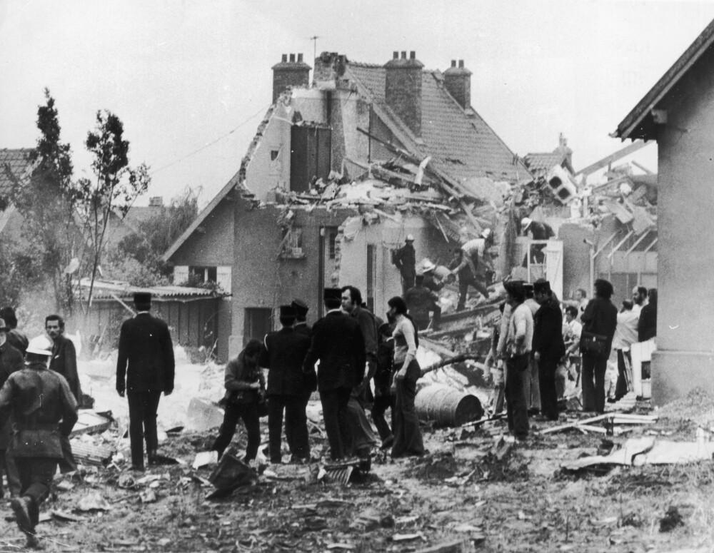 EKSPLODERTE: Tupolev 144 eksploderte over landsbyen Goussainville, ikke langt fra Charles de Gaulle internasjonale lufthavn. Alle seks om bord omkom, foruten åtte personer på bakken.