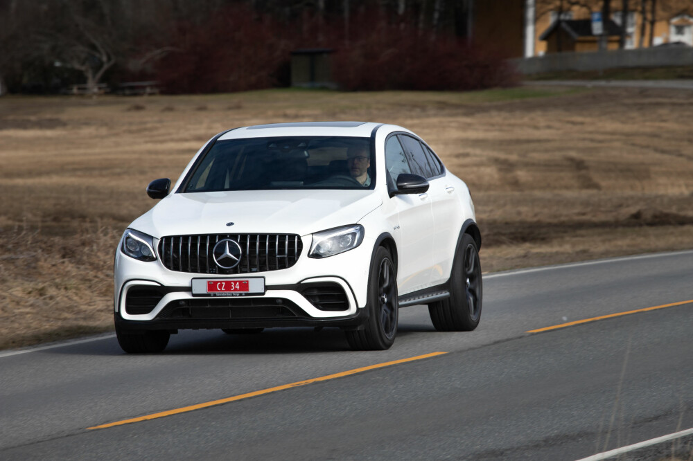 BASSBILEN: Du hører Mercedes-Benz GLC AMG 63 S før du ser den.