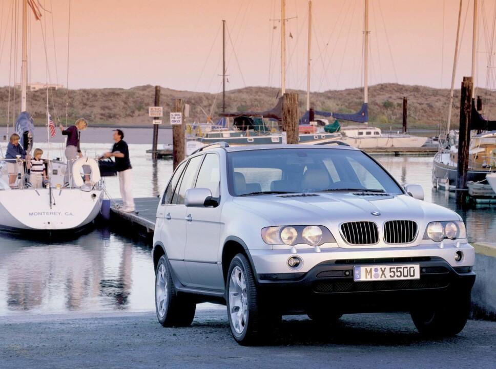 <b>DRØM: </b>Fin BMW og seilbåt. Dette handler om å gi potensielle eiere drømmer de gjerne assosierer seg med.