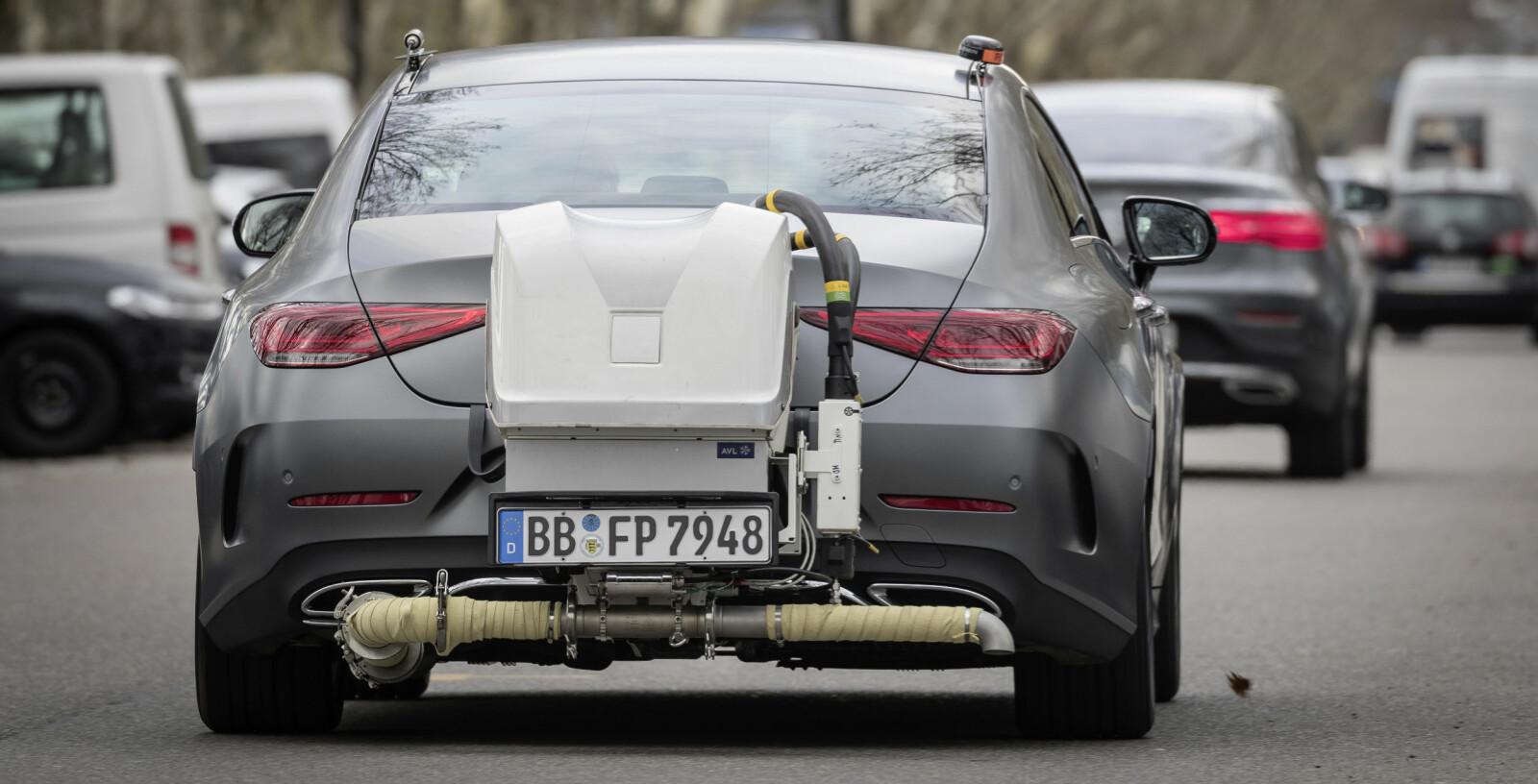 <b>RDE-MÅLING:</b> RDE-test hos Mercedes. Testresultatene må være innfor visse grenseverdier i forhold til WLTP-resultatene for at bilen skal bli godkjent.