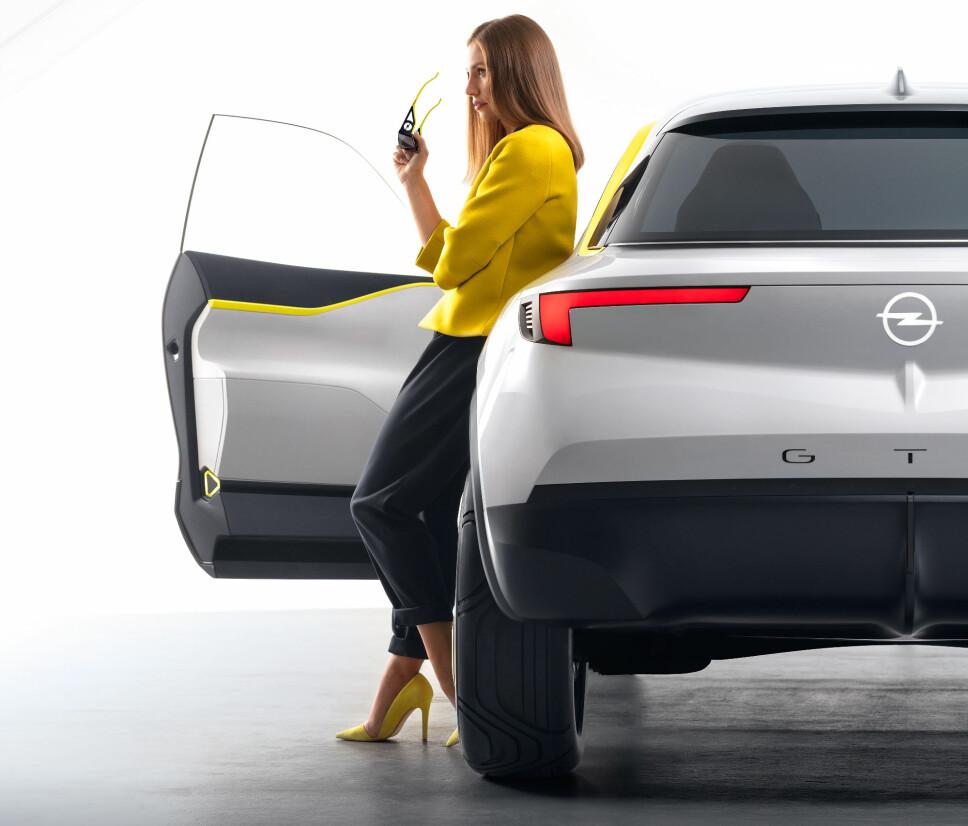 <b>KOMPASS FOR DESIGN: </b>GT X Experimental viser for første gang «Opel Compass», en ny designprofil som vil prege fremtidens modeller både foran og bak.