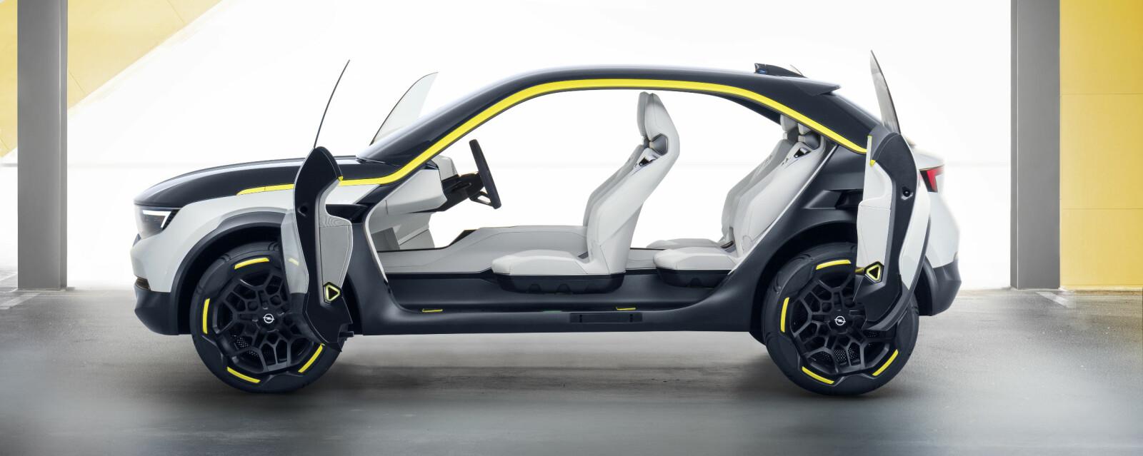 <b>OPEL GT X EXPERIMENTAL: </b>Slik presenterer Opel designretningen for sin nye elbil.