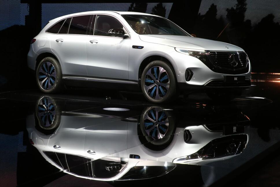 <b>MERCEDES EQC:</b> Endelig får publikum se hvordan Mercedes' elbil EQC faktisk ser ut. Over 2000 nordmenn hadde lagt inn bestillingen på SUV-en uten å ha sett produksjonsmodellen.