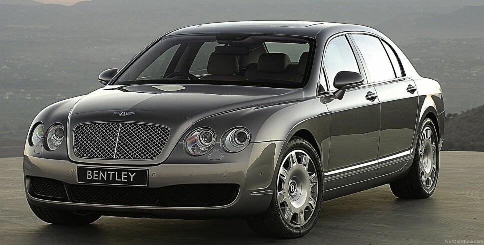 <b>Bentley Flying Spur: </b>For litt over prisen av en velutstyrt VW Passat, kan du nå sikre deg denne godbiten: Bentley Flying Spur. Med en toppfart på over 300 km/t kjørte denne fra det meste – samtidig som den levert plass og luksusfølelse på toppnivå.