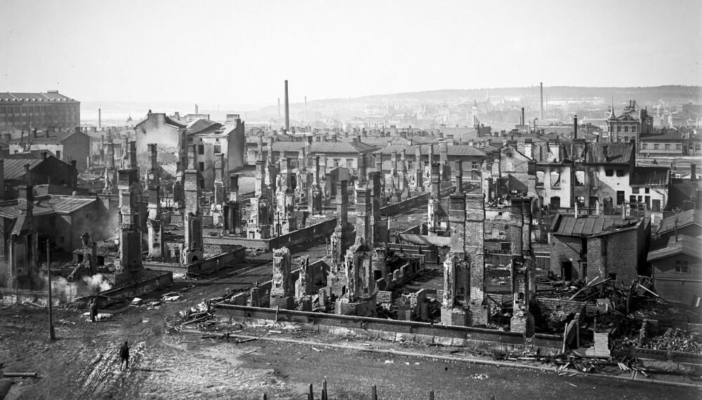 <b>I RUINER: </b>Store deler av TAmmerfors sentrum ble lagt i ruiner under den finske borgerkrigen.