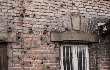<b>MERKER</b>: Kulehullene som minner om den blodige borgerkrigen, finnes på flere steder i Tammerfors.