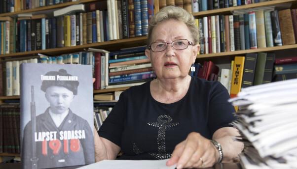 <b>FORFATTER</b>: Tuulikki Pekkalainen har skrevet bok om de finske barnesoldatene.
