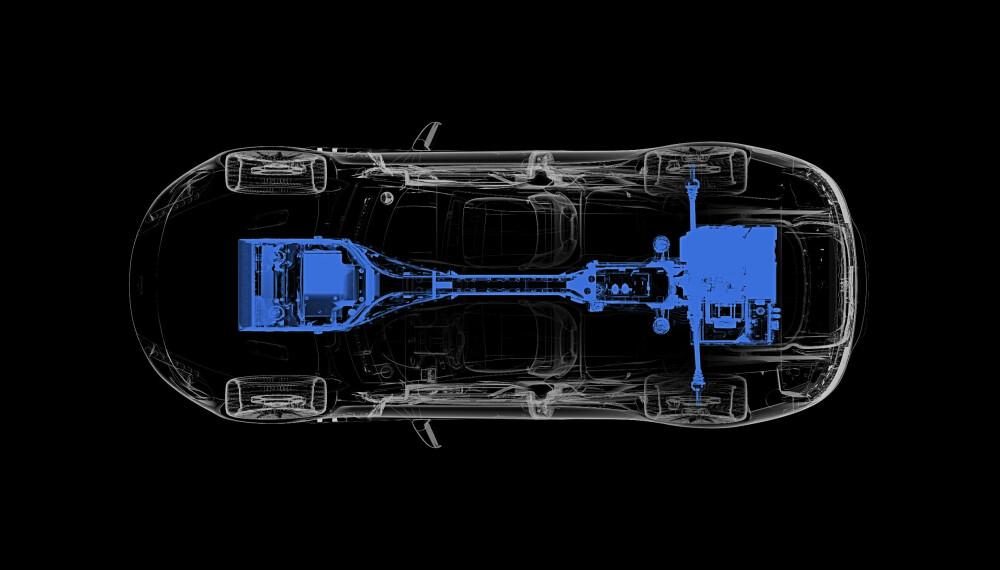 <b>BAKHJULSTREKK:</b> Aston Martins elbil Rapide E får ikke firehjulstrekk, men leverer til gjengjeld over 610 hestekrefter på bakhjulene - som nok vil fryde en og annen bilentusiast.