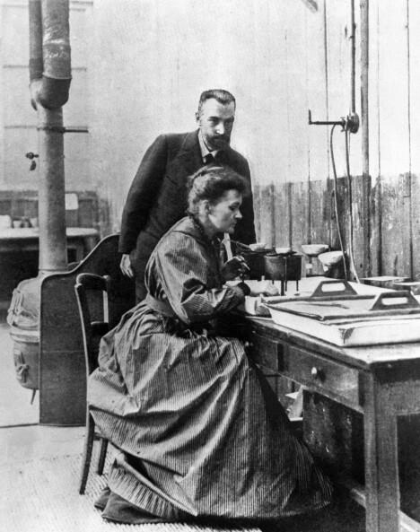 Sammen døgnet rundt: Marie og Pierre Curie delte laboratorium, hus, hjem og bord – og en nobelpris.